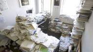 Lieber penible Ordnung oder kreatives Chaos? Der Schreibtisch sagt viel über den Mitarbeiter.