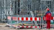 Im Winter sind auf Deutschlands Baustellen saisonbedingt eher weniger Menschen beschäftigt.