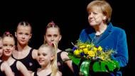 Merkel stellt Erleichterungen bei Mindestlohn in Aussicht