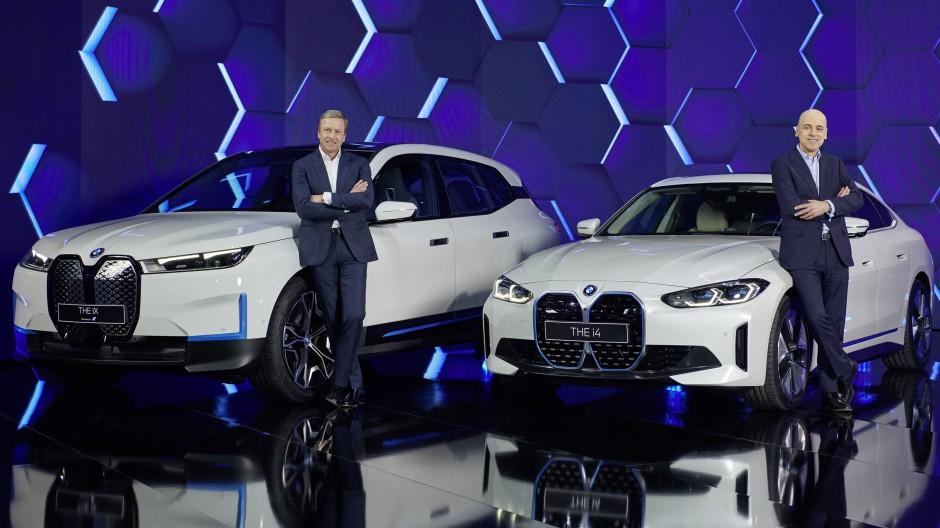 Zufrieden: BMW-Chef Oliver Zipse (links) und Finanzvorstand Nicolas Peter