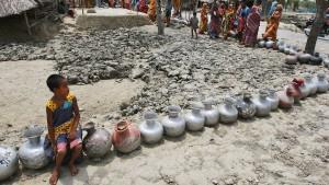 Wirbelstürme, Malaria, Dengue und Wassermangel