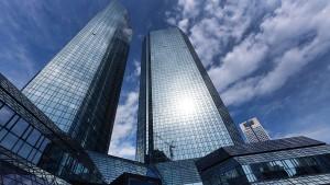 Die Deutsche Bank ist krank an Leib und Seele