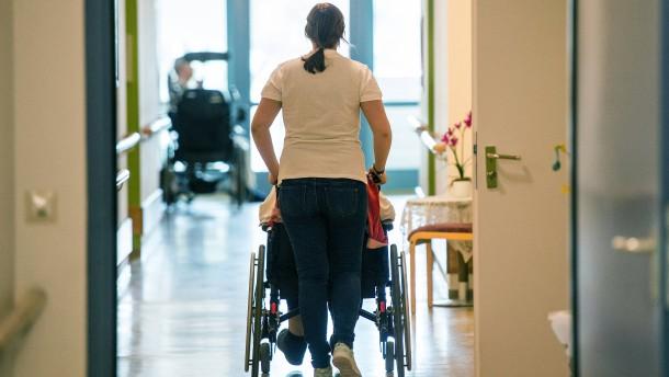 Auch für Honorarpfleger gilt Beitragspflicht