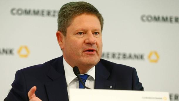 Die Commerzbank muss sich einen neuen Finanzchef suchen