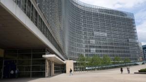 Tausende EU-Beamte verdienen mehr als Merkel
