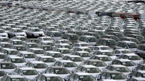 Autoverkäufe in Deutschland legen im Juli leicht zu