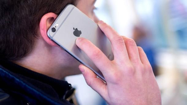 Mobilfunkanbieter dürfen nach Kündigung keinen Rückruf verlangen