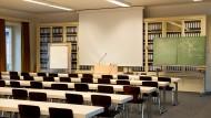 Alles auf Anfang: Hörsaal der EBS auf dem Campus in Oestrich-Winkel.