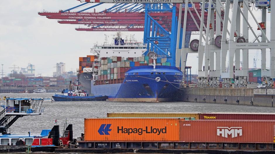 Brücke zu China: Am Containerterminal Tollerort im Hamburger Hafen will sich die Staatsreederei Cosco beteiligen.