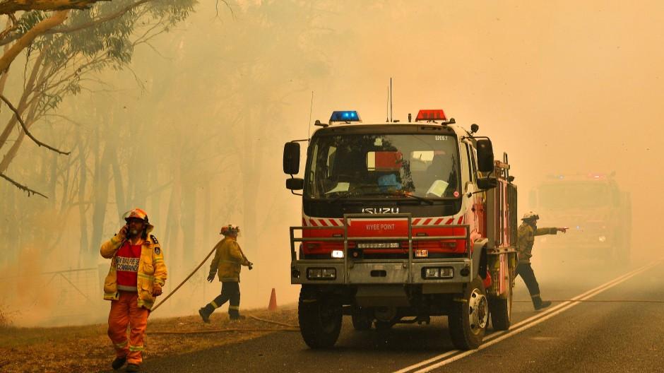 Buschbrände rund 100 Kilometer nördlich von Sydney
