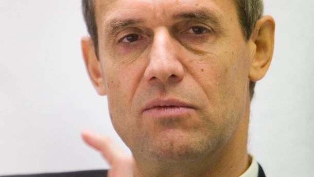 Bankenlobby stellt sich hinter umstrittenen Geschäftsführer
