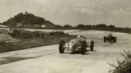 Die Nürburg im Blick: Training vor dem Rennen 1936