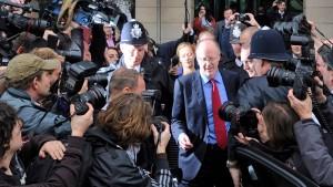 BBC-Chef Entwistle erklärt  Rücktritt