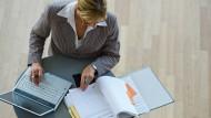 Mehr Frauen in Führungspositionen wünschen sich viele Firmen.