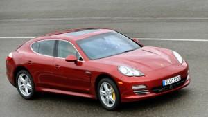 Porsche & Co. hoffen auf die roten Reichen
