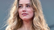 "Amber Heard spielte Hauptrollen in den Filmen ""The Fighters"" und ""Zombieland""."