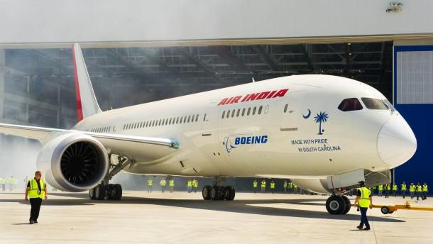 """Riss in der Scheibe: """"Dreamliner"""" kehrt um"""