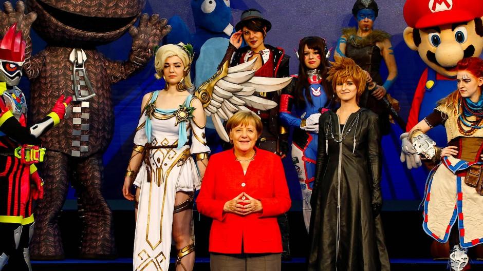 Angela Merkel stellt Förderung für Spieleentwickler in Aussicht