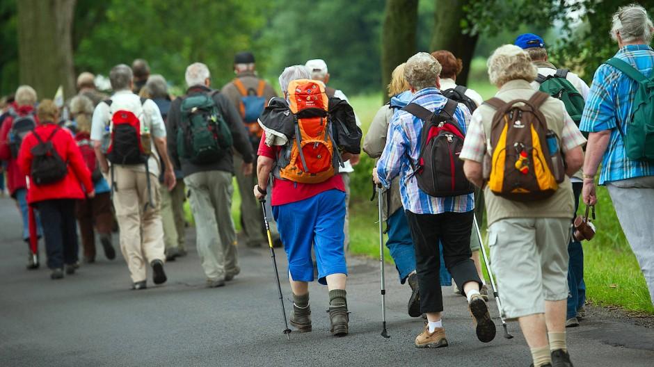 Senioren auf Wanderschaft