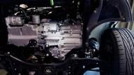 Blick in den Golf - die Produktion ruht, weil ein Getriebe-Zulieferer mit dem Volkswagenkonzern streitet.