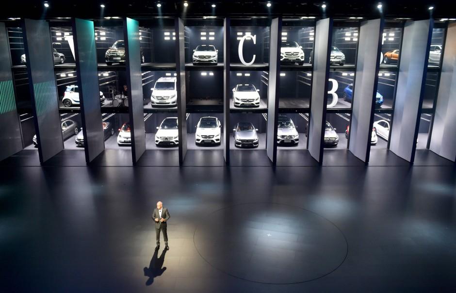 Messestand für Mercedes-Benz auf der IAA
