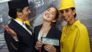 Ticket zum Traumberuf: Diese Kandidatin verlässt das Lufthansa-Casting in Mainz mit einer der begehrten Zusagen in der Hand.