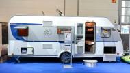 Ein Wohnmobil von Knaus Tabbert auf der Caravan-Messe in Düsseldorf