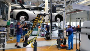 BMW kürzt Tausenden Hochqualifizierten Arbeitszeit und Gehalt