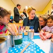 Oktober 2019: Franziska Giffey (SPD), Bundesfamilienministerin, malt gemeinsam mit den Kindern der Kita Goetheplatz in Mainz.