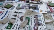 Beim Zeitungsverkäufer in Teheran - obwohl das Land mit Sanktionen belegt ist, steigen die deutschen Exporte dorthin massiv.