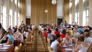 Privatschulen führen mehr Schüler zum Abitur