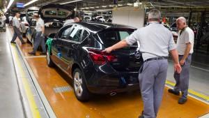 Opel-Arbeiter sollen auf Lohnplus verzichten