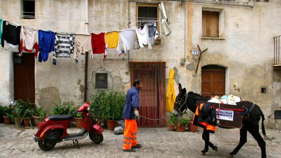 In den Straßen von Castelbuono bei Palermo