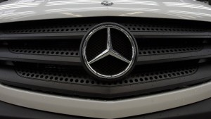 Daimler macht beinahe ein Drittel weniger Gewinn