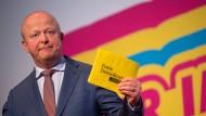 FDP-Fraktionsvize Michael Theurer äußert scharfe Kritik an Gesundheitsminister Spahn.