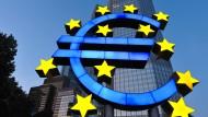 Banken schieben Schuld für Strafzinsen auf die EZB