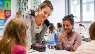 Auf jeden Schüler eingehen: Der Lehrerberuf hat sich stark gewandelt.