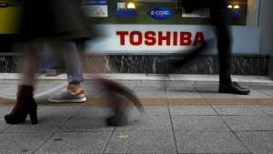 Toshiba fährt nach Bilanzskandal Rekordverlust ein