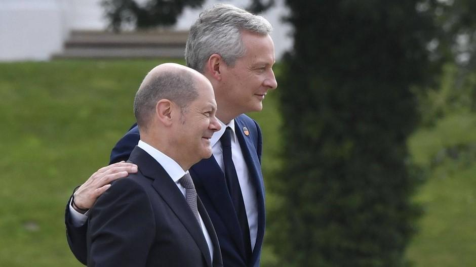 Die Finanzminister aus Deutschland und Frankreich: Olaf Scholz (vorne) und Bruno Le Maire.