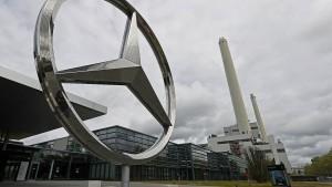 Daimler kürzt Arbeitszeit um zwei Stunden
