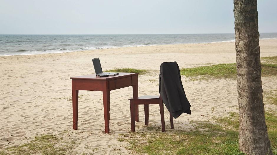 Ein Strandbüro mit Meerblick einem tropischen Strand: Ein Arbeitsmodell für die Fintech-Welt?
