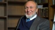 Auch als Pensionär muss Hans-Werner Sinn sein ifo-Institut nicht verlassen: Die kleine Bibliothek wird sein neues Büro.