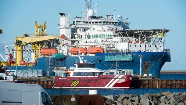 Amerikanische Senatoren drohen deutschem Ostseehafen