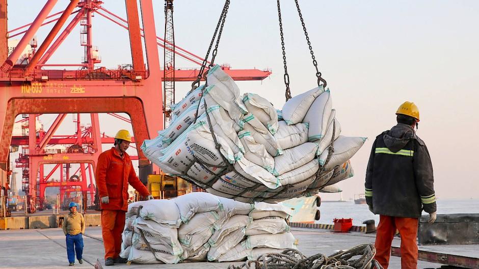Eine schwere Last fällt ab: China könnte wieder mehr Sojabohnen aus Amerika importieren.
