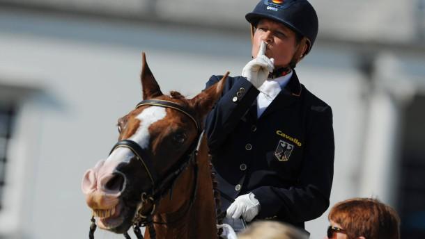 Reiterin Brenner gewinnt neuntes deutsches Gold