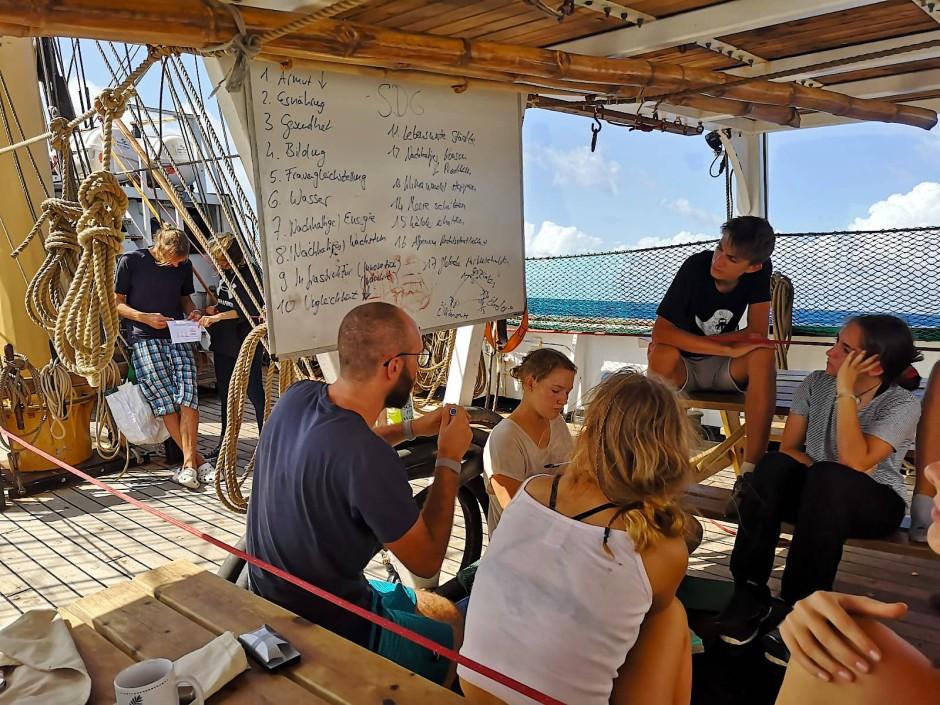 Auf dem Schiff findet nicht nur klassischer Unterricht statt.