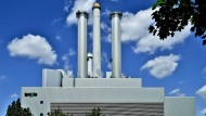 Wo einst die Kohle brannte, wird heute Wärme in drei Kilometer Tiefe angezapft: Das Münchner Heizkraftwerk Süd.