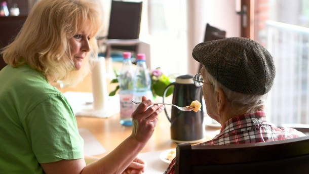 Bundesweiter Tarifvertrag in der Altenpflege vorerst gescheitert
