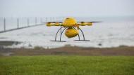 In der Luft ist noch Platz: Auch die Deutsche Post will Drohnen zum Kunden fliegen lassen.