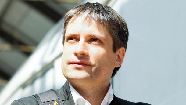 """Sven Giegold - Der GrŸnder der """"globalisierungskritischen Organisation"""" Attac ist wŠhrend des Bundestagswahlkampfes Ÿberall in Deutschland unterwegs."""